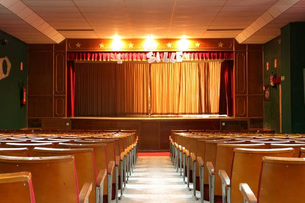 Teatro y aulas de música y baile